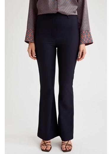 DeFacto S9587Az20Wn Ispanyol Paça Slim Fit Dokuma Kadın Pantolon Lacivert